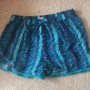 Hollister Shorts - hollister patterned shorts